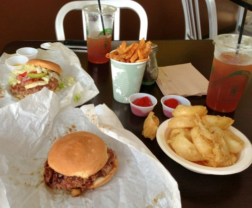 the table at epik burger gluten free jacksonville